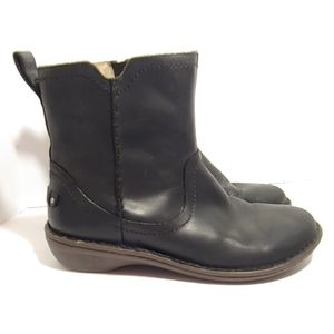 UGG 'Neevah' Shearling lined black leather boots